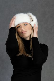 Free Woman In Winter Hat Stock Photos - 19234353