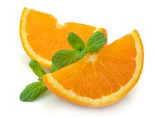 Free Segments Of An Orange With Mint Royalty Free Stock Photography - 19236327
