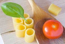 Free Italian Pasta Tomato And Basil Stock Photo - 19236360