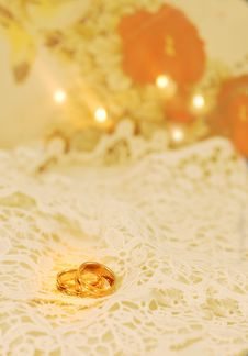Free Wedding Bands Royalty Free Stock Photography - 19236407
