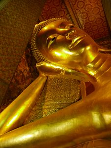 Free Reclining Buddha Statue In Wat Pho Royalty Free Stock Images - 19240159