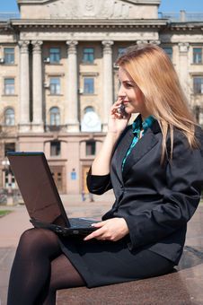 Free The Business Woman Speaks By Phone Royalty Free Stock Image - 19240186