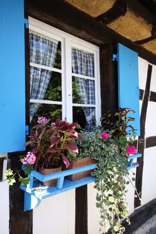 Free Blue Window In Old Country Cottage Royalty Free Stock Photography - 19244087