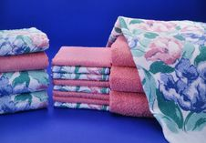 Free Pink And Blue Towel Set Stock Photography - 19245432