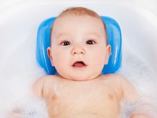 Free Baby Taking A Bath Royalty Free Stock Images - 19251419
