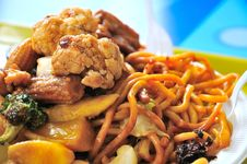 Free Oriental Style Fried Noodles Stock Photography - 19251492