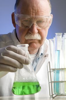 Free Chemist Working With Chemicals Stock Photography - 19255102