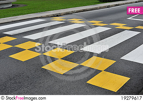Free Zebra Crossing Royalty Free Stock Photography - 19279617
