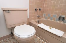 Free Simple Interior Of Toilet Royalty Free Stock Image - 19270236