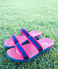 Free Sandals Or Flip Flop On Grass Stock Photo - 19271210