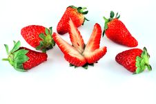 Free Sliced ​​strawberries On A Plate Stock Photos - 19274433