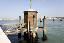 Free Vantage Point In Venice Royalty Free Stock Image - 19277066