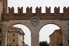 Free The Entrance And Wall Of The Piazza Bra In Verona Royalty Free Stock Photography - 19278327