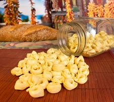 Free Tortellini Pasta Royalty Free Stock Photos - 19285248