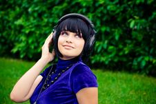 Free Woman With Headphones Stock Photos - 19286923