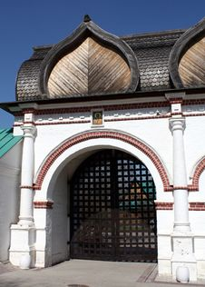 Free Spassky Gate Of Estate Kolomenskoe Royalty Free Stock Images - 19291149