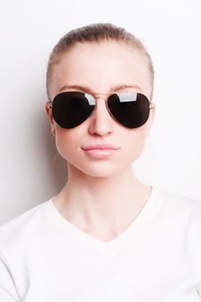 Free Woman In Sunglasses Royalty Free Stock Images - 19296179