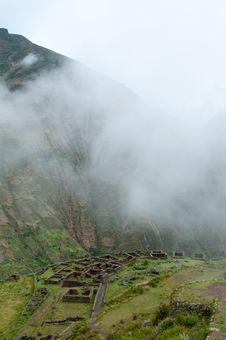 Free Incas Livings Near Pisac, Peru Royalty Free Stock Images - 19296909