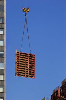 Free Hoisting Concrete Block Stock Photo - 1938000