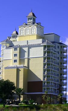 Free New High Rise Resort Hotel Royalty Free Stock Images - 1938569