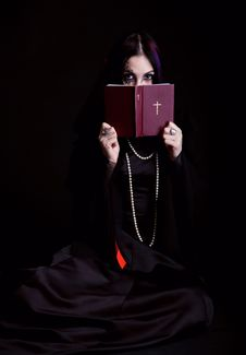 Free Gothic Girl With The Bible Stock Photography - 19300662