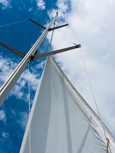 Free Yacht Mast With The Sail On The Blue Sky Stock Photos - 19300813
