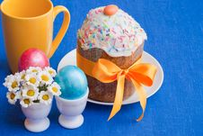Free Easter: Cake And Eggs On Blue. Royalty Free Stock Photography - 19301377