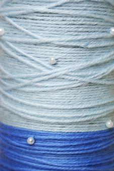 Free Round Texture Of Blue Woolen Threadsh Beads Royalty Free Stock Image - 19301666
