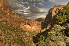 Free Zion Mountains Royalty Free Stock Photo - 19302445