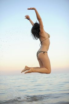 Free Active Young Woman Is Jumping Royalty Free Stock Photos - 19307808