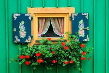 Free Nice Window On A Green Wall Stock Image - 19308801