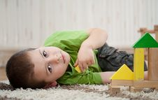 Free Boy Playing With Blocks Stock Images - 19309244