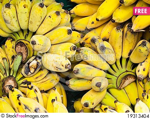 Free Bunch Of Ripe Bananas Stock Images - 19313404