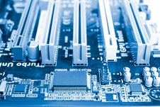 Free Clear Chip On Motherboard Royalty Free Stock Images - 19313219