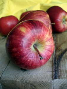 Free Red Apples Royalty Free Stock Photos - 19318708