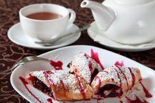 Free Dessert With Tea Stock Photo - 19318930