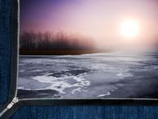 Free Zipper Overlooks The Frozen Lake Royalty Free Stock Images - 19323339
