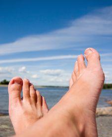Free Sunbathing Foots Royalty Free Stock Photo - 19330915