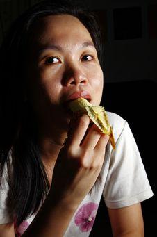 Free Young Woman Eating Banana Royalty Free Stock Images - 19331269