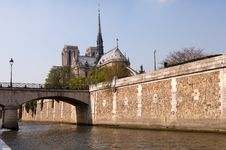 Free Notre Dame Cathedral & River Seine Royalty Free Stock Photo - 19332485