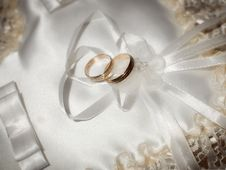 Free Wedding Rings Stock Photography - 19333782