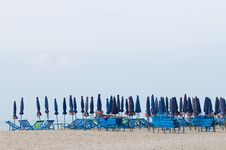 Free Blue Beach Chairs Royalty Free Stock Images - 19340749