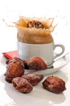 Free Traditional Spanish Fritters Royalty Free Stock Photography - 19342517