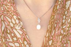 Free Pearl Pendant Stock Image - 19343141