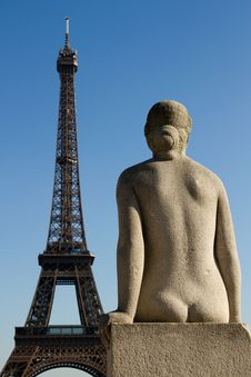 Statue And Eiffel Tower Stock Photography