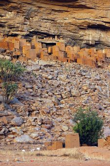 Free Ancient Dogon And Tellem Houses With Sheep Stock Image - 19345421