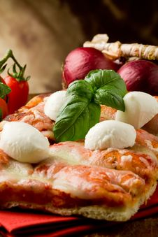 Free Pizza With Buffalo Mozzarella Royalty Free Stock Photo - 19352595