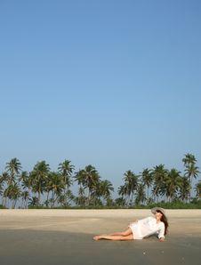 Free Woman On The Beach Stock Photos - 19355363