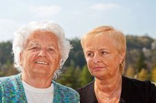 Free Portrait Of Mother And Daughter Royalty Free Stock Photo - 19356695