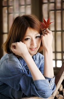 Free Chinese Girl In Autumn Stock Photo - 19360890